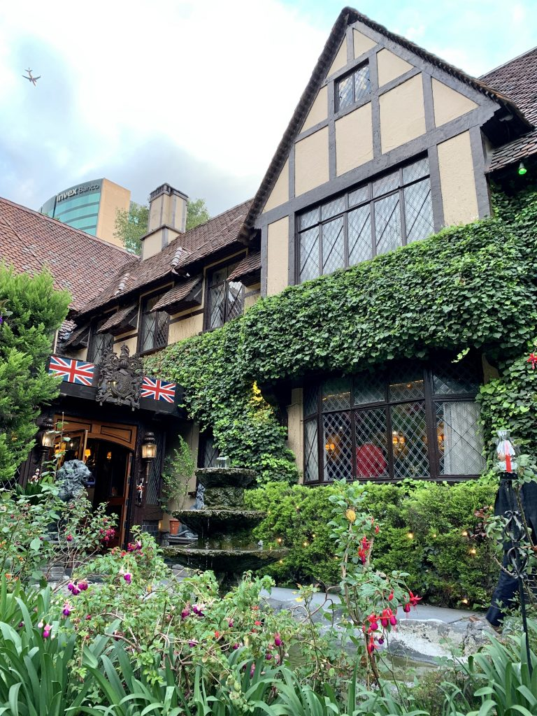 Sir Winston Churchills, restaurante-bar británico en Polanco
