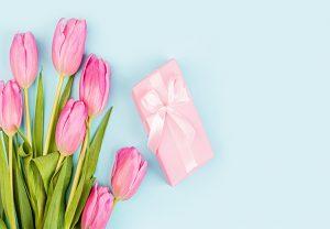 regalos-para-el-10-de-mayo-flores-y-caja