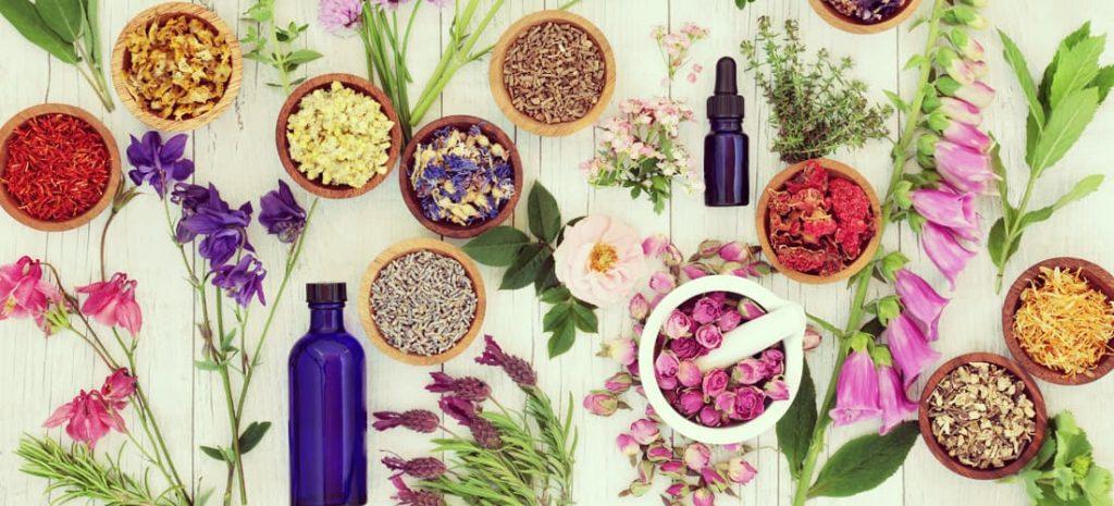 Los aceites esenciales se hacen con componentes naturales, es una forma de terapia alterna.